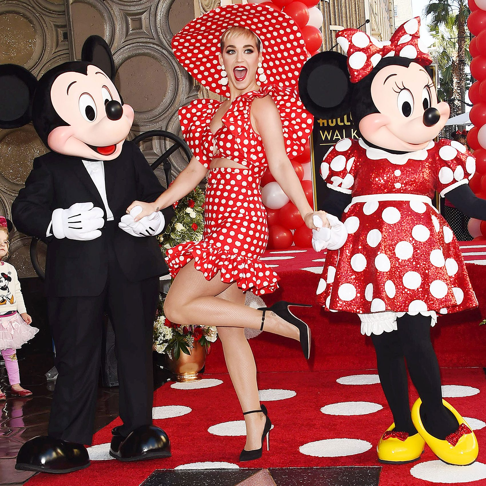 Minnie Mouse recibe su estrella en el Paseo de la Fama en Hollywood